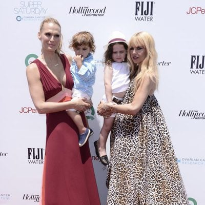 Molly Sims y Rachel Zoe con sus hijos en la fiesta contra el cáncer de ovario en Los Angeles