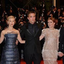 Sarah Gadon, Robert Pattinson y Julianne Moore en el Festival de Cannes 2014