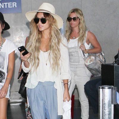 Ashley Tisdale y Vanessa Hudgens llegan a Los Angeles