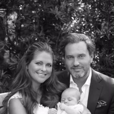 Leonor de Suecia celebra su tercer mes de vida posando con Magdalena de Suecia y Chris O'Neill