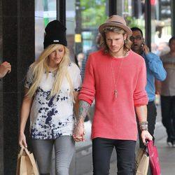 Dougie Poynter y Ellie Goulding pasean su amor por Manchester