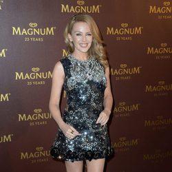 Kylie Minogue en la fiesta Magnum en Cannes