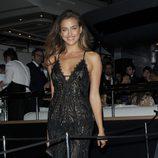 Irina Shayk en una fiesta en el yate de Roberto Cavalli en Cannes 2014
