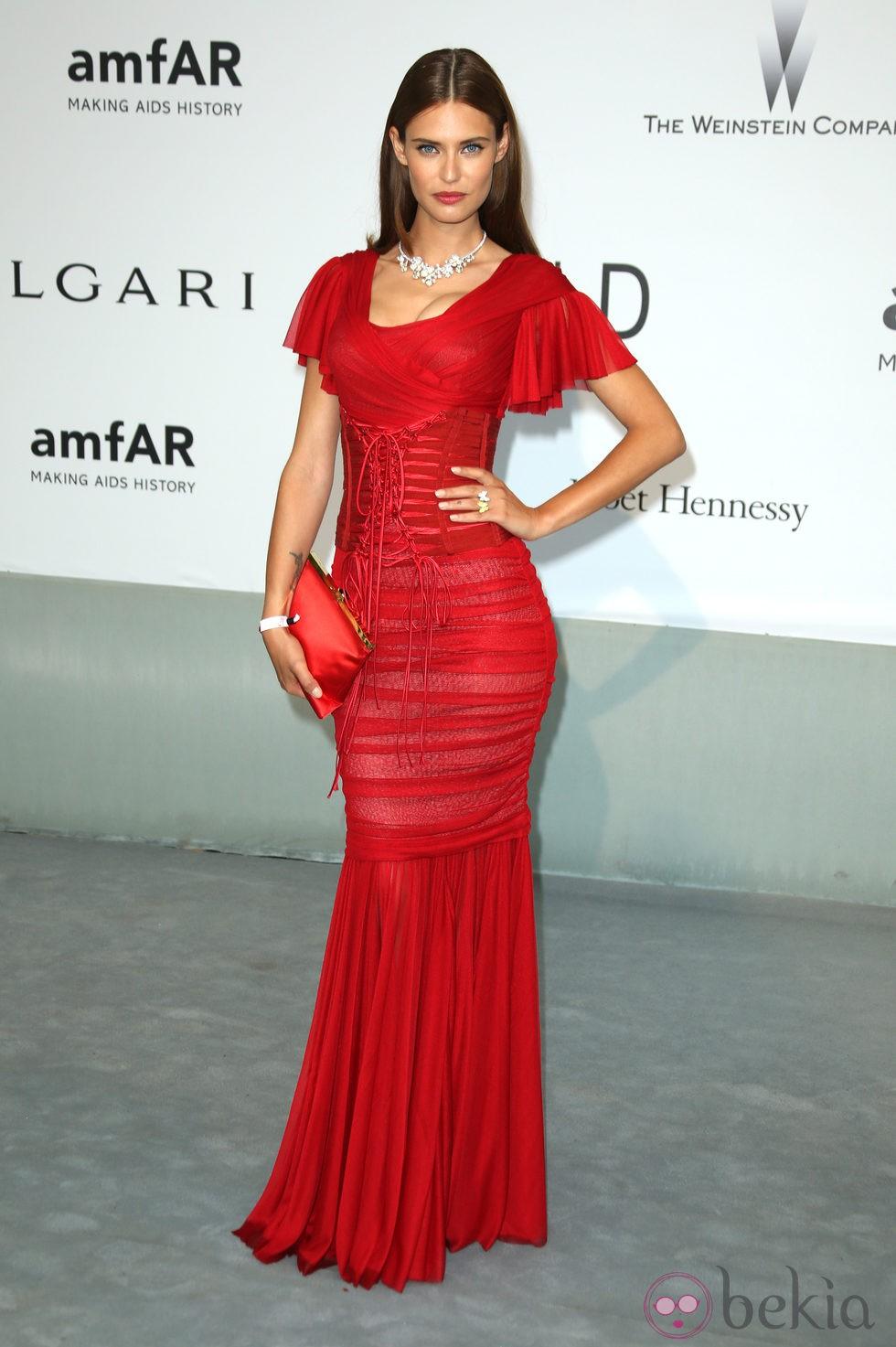 Bianca Balti en la gala amfAR del Festival de Cannes 2014
