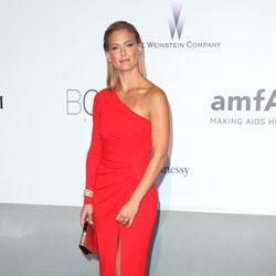 Bar Refaeli en la gala amfAR del Festival de Cannes 2014