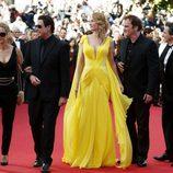 Kelly Preston, John Travolta, Uma Thurman y Quentin Tarantino en el Festival de Cannes 2014