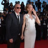 Quentin Tarantino y Uma Thurman en la clausura del Festival de Cannes 2014