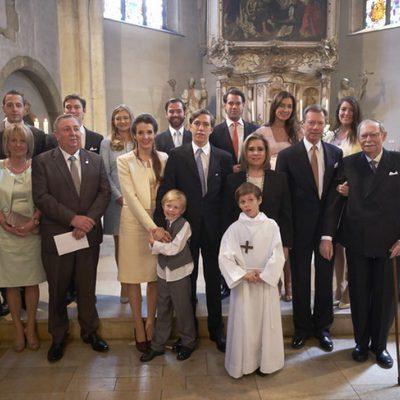 La Familia Ducal de Luxemburgo en la Primera Comunión del Príncipe Gabriel