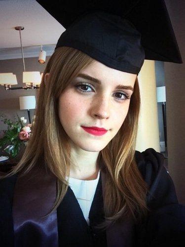 Emma Watson se gradúa en la Universidad de Brown