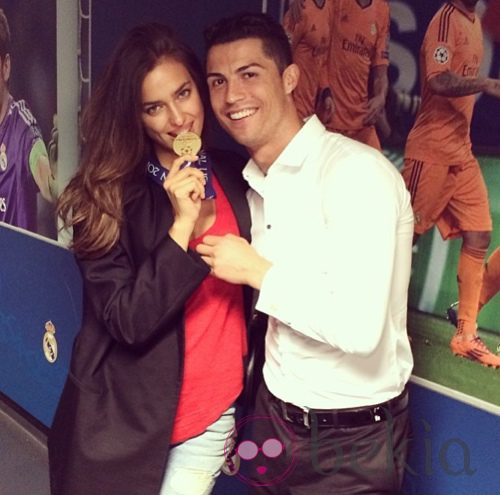 Cristiano Ronaldo con Irina Shayk celebrando la Champions 2014