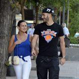 Karim Benzemá pasea con Chloé por las calles de Madrid