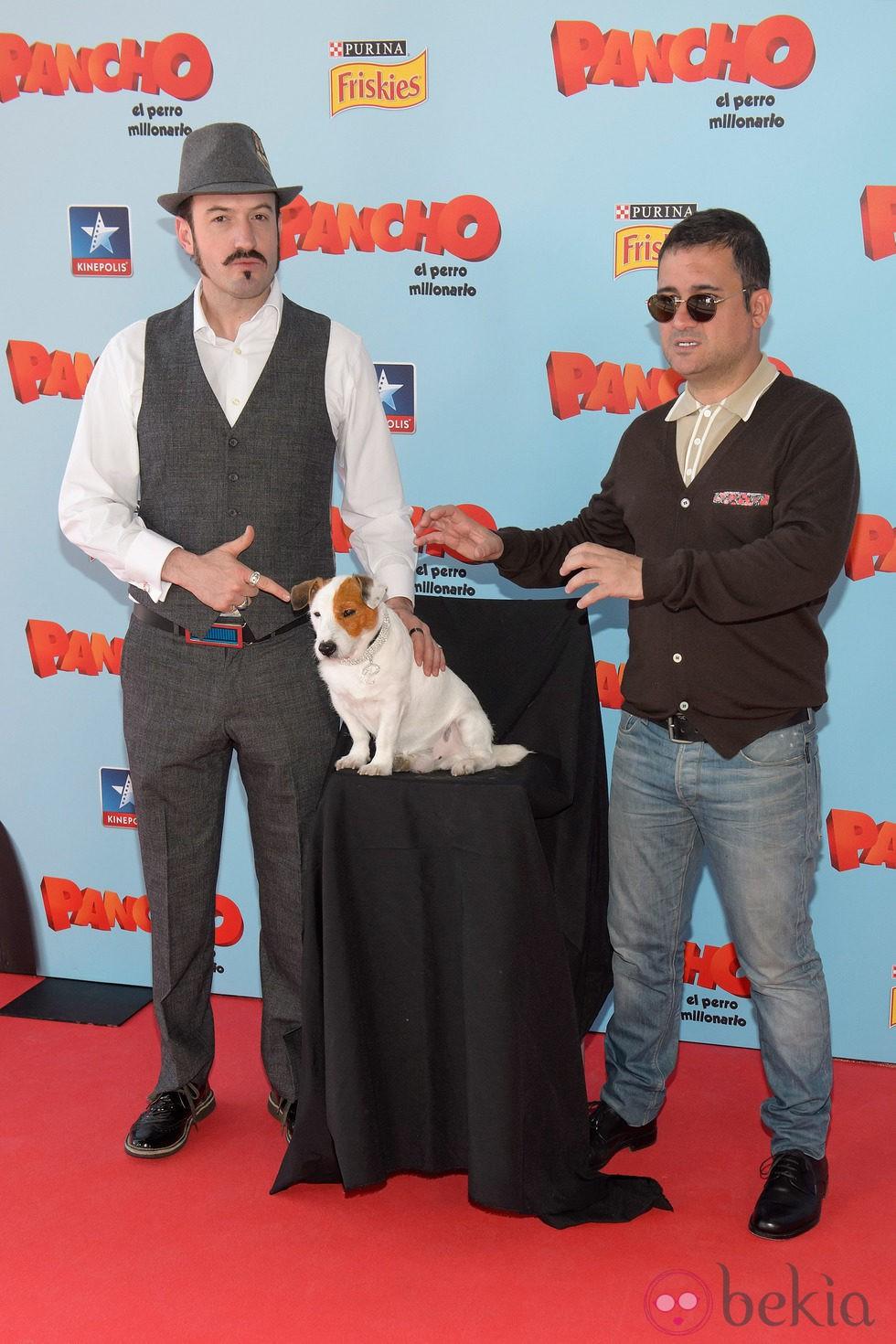 Alex O'Dogherty y Secun de la Rosa en la premiere de 'Pancho, el perro millonario' en Madrid