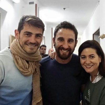 Iker Casillas, Dani Rovira y Luisa Martín en el teatro