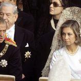 El Rey Juan Carlos I y la Reina Sofia en el entierro del papa Pablo VI