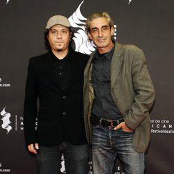 Miki Molina y un amigo en el Festival de Cine de Alicante 2014