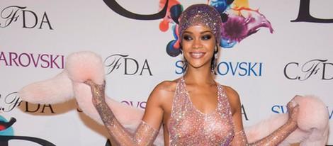 Rihanna en los CFDA Fashion Awards 2014