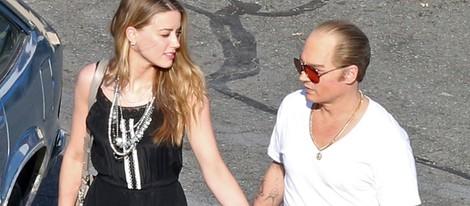 Amber Heard visita a Johnny Depp en el rodaje de su nueva película