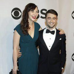 Erin Darke y Daniel Radcliffe en los Premios Tony 2014