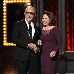 Gloria y Emilio Estefan en los Premios Tony 2014