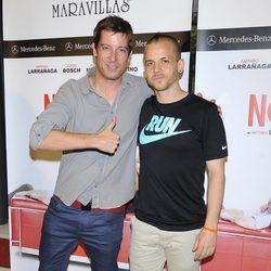 Manu Baqueiro y David Muñoz en el estreno de la obra de teatro 'El Nombre'