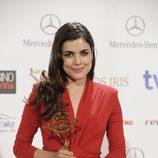 Adriana Ugarte en la entrega de los Premios Iris 2014 con su galardón a Mejor Actriz
