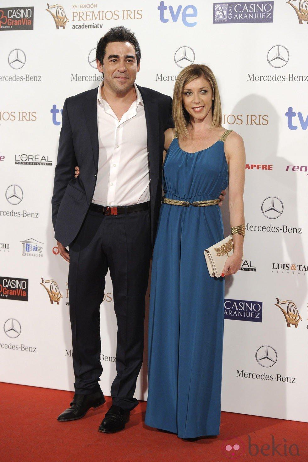 Pablo Chiapella y Eva Isanta en la entrega de los Premios Iris 2014