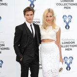 Oliver Cheshire y Pixie Lott en la gala benéfica 'One for the Boys'