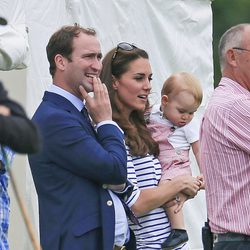 Kate Middleton y el Príncipe Jorge en un partido de polo
