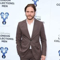 Daniel Brühl en la gala benéfica 'One for the Boys'