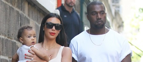 Kim Kardashian y Kanye West llevan a North West al museo