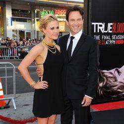Anna Paquin y Stephen Moyer en la presentación de la última temporada de 'True Blood'.