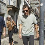 Harry Styles pasea en las calles de Copenhague.