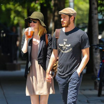Emma Stone y Andrew Garfield pasean de la mano por Nueva york