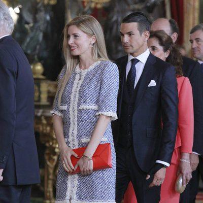 José María Manzanares y Rocío Escalona en la primera recepción de los Reyes Felipe y Letizia