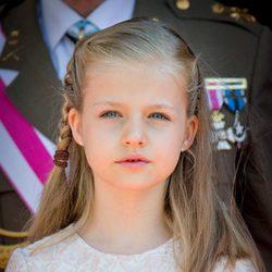 Primer plano de la Princesa Leonor en la Puerta de los Leones del Congreso de los Diputados