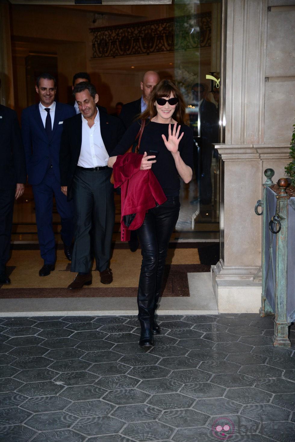 Carla Bruni con Nicolas Sarkozy antes de su primer concierto en Barcelona