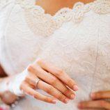 María Lapiedra muestra su anillo de boda