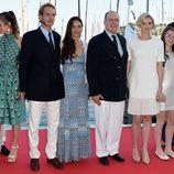 La Familia Real de Mónaco acude a la inauguración del Club Náutico de Monte-Carlo.