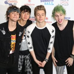 5 Seconds of Summer en el Summertime Ball 2014
