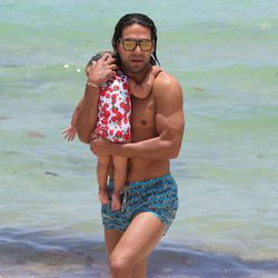 Falcao en Miami junto a su hija Dominique