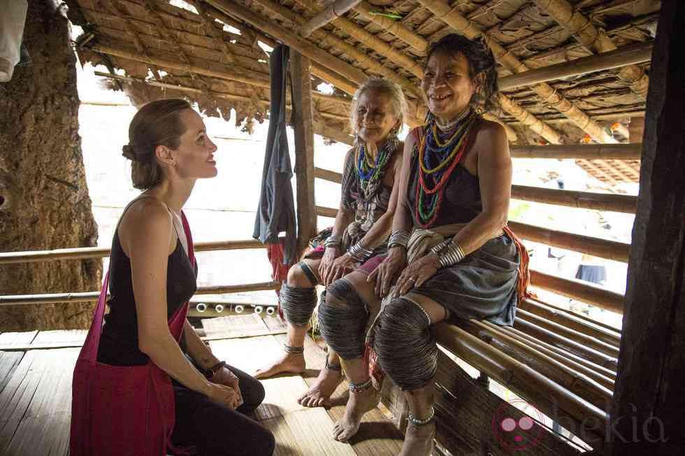 Angelina Jolie en el campamento de refugiados en Tailandia