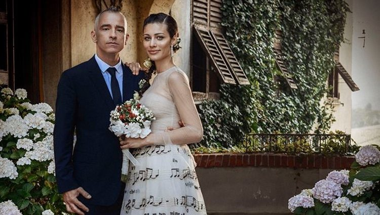 Eros Ramazzotti y Marica Pellegrinelli el día de su boda en el Piamonte italiano