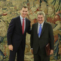 El Rey Felipe recibe en audiencia al Presidente del Congreso Jesús Posada