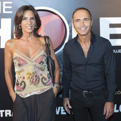 Pastora Vega y Juan Ribo pasean su amor en la presentación de la obra teatral 'The Hole'