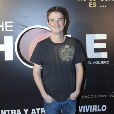 Gorka Otxoa acude a la presentación de la obra de teatro 'The Hole'