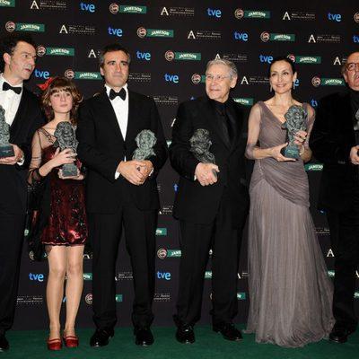 Javier Fesser, Narea Camacho, Carme Elías y Jordi Dauder posan con su Goya por 'Camino'