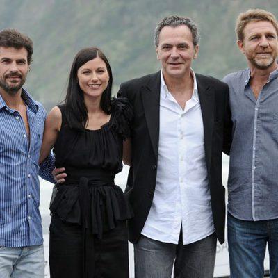 Los protagonistas de 'No habrá paz para los malvados' en el Festival de San Sebastián