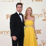 Jennifer Westfeldt y su novio Jon Hamm en los premios Emmy 2011