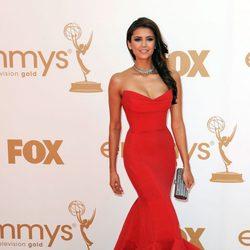 Nina Dobrev en los premios Emmy 2011
