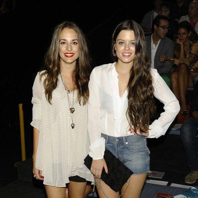 Silvia Alonso y Adriana Torrebejano en el desfile de Ana Locking en Cibeles